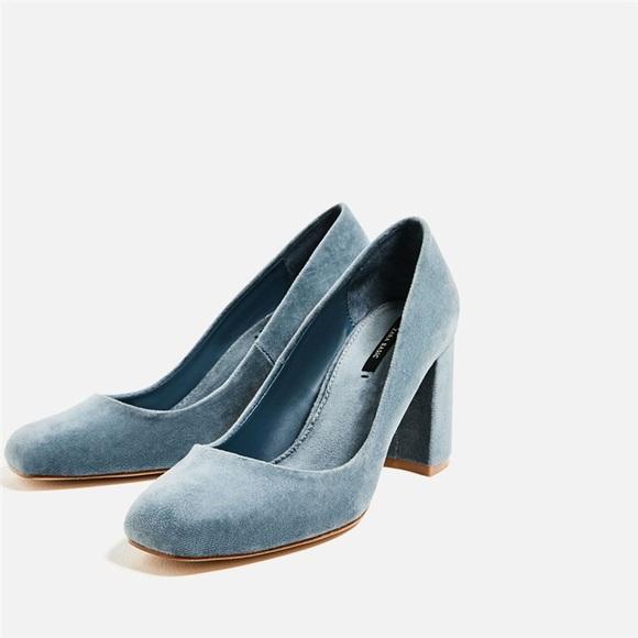 06d6d733cd2 Zara Velvet Chunky Heel Blue Pumps Size 36. M 5b57a9c1951996242447db5c
